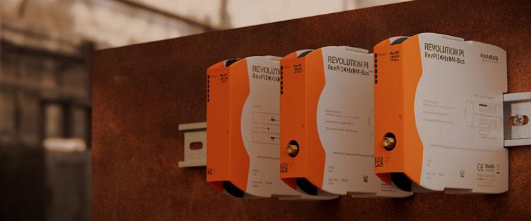 Bild von einer Auswahl an RevPi Con Erweiterungsmodulen für den RevPi Connect